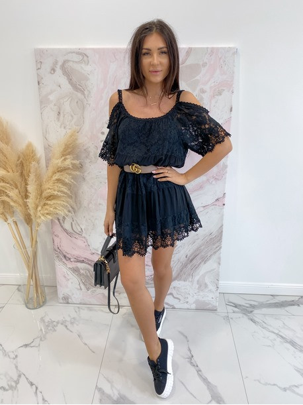 šaty valinka čierne